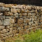 muret de pierres sèches