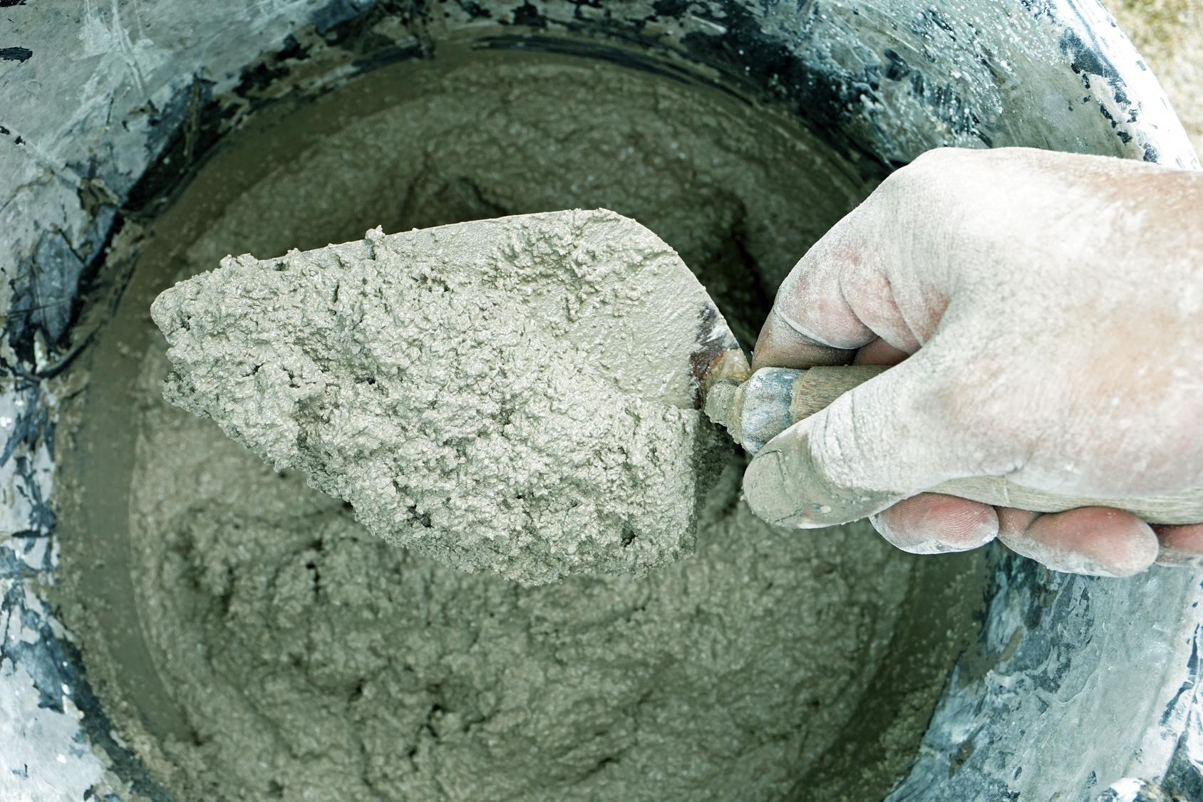 Artisan fabriquant du béton