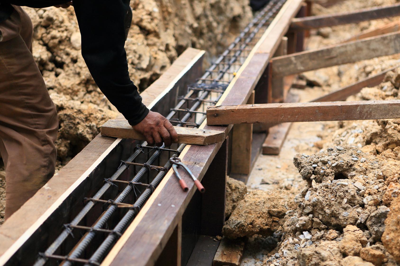 Comment R 233 Aliser Les Fondations D Un Mur De Cl 244 Ture
