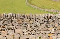 Mur pierres sèches.