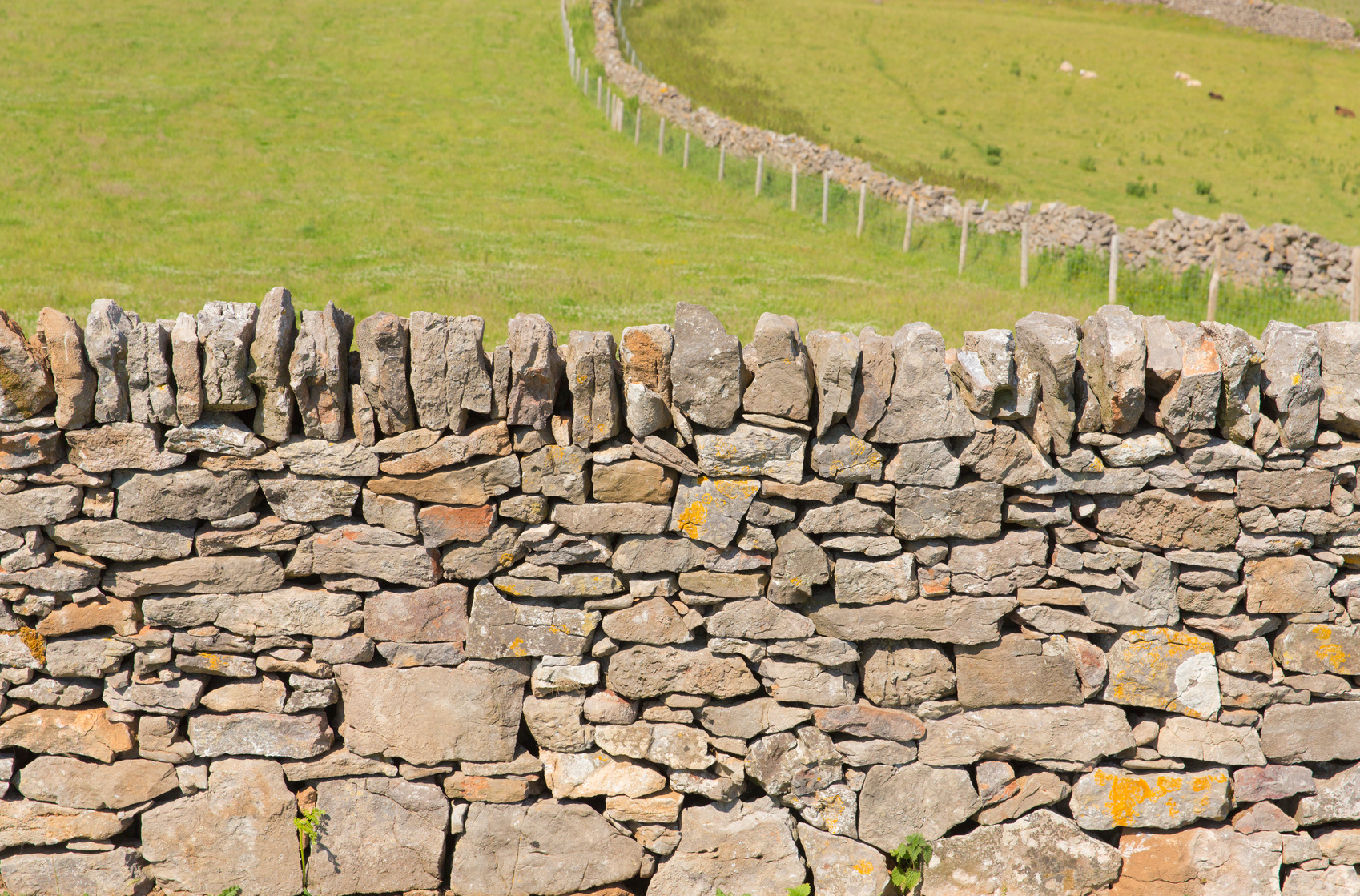 Mur en pierre s che comment le monter et bien plus for Construction de maison en pierre