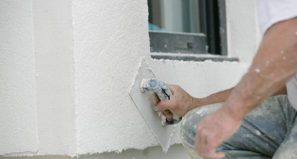 Comment rénover un crépi de façade