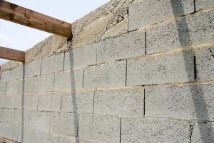 Coût d'un mur en agglo coffrant